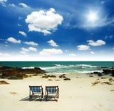 Ontspanning op het strand in Thailand Stock Afbeeldingen