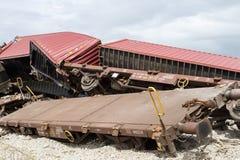 Ontspoorde treinbussen bij de plaats van een treinongeval bij Duitsland royalty-vrije stock afbeelding