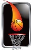 Ontsproten basketbal het gaan in hoepel Royalty-vrije Stock Fotografie