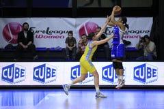 Ontspruitend Maya Moore - basketbal Stock Foto