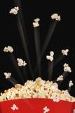 Ontspruitende popcorn Stock Afbeeldingen
