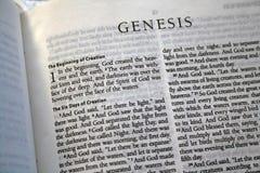 Ontstaan 1 vers van de Bijbel stock afbeeldingen