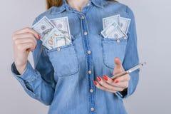 Ontvang van de de rijkdom het dure prijs van de mensenpersoon teken van het de bonusgebaar royalty-vrije stock foto