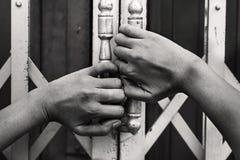 Ontvoerd missen, misbruikt, gijzelaar stock afbeeldingen