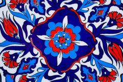 Ontwerp met bloemen op ceramische pot in een stijl van Turkse historische tegels Gevormde textuur van Midden-Oosten Stock Afbeelding