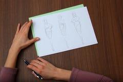 Ontwerper de tekeningen van de beoordelingsmanier Royalty-vrije Stock Fotografie