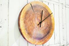 Ontwerper om houten klok royalty-vrije stock afbeelding