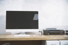Ontwerperdesktop met PC-voorzijde Royalty-vrije Stock Foto