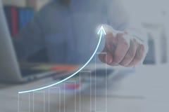 Ontwikkeling en de groeiconcept De groei van het financiële businessplan Royalty-vrije Stock Fotografie