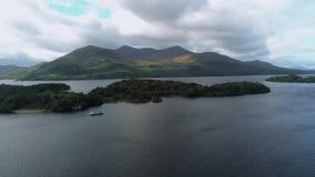 Ontzagwekkend aard en landschap bij het Nationale Park van Killarney in Ierland stock video