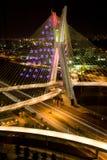 Pinheirosbrug bij nacht stock afbeelding