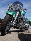 Ontzagwekkende groene motorfiets Stock Afbeelding