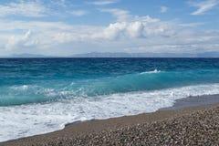 Ontzagwekkende zeekust van Rhodos in Griekenland royalty-vrije stock afbeelding