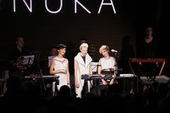 ONUKA-musikband som spelar i den Lviv klubban Royaltyfri Foto