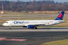 OnurAir空中客车A321飞机 免版税库存照片