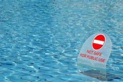 Onveilig water Stock Foto