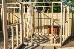 Onvolledig gebouwd van de zomerhuis stock foto