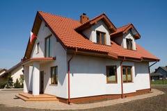 Onvolledig klein wit huis stock afbeeldingen