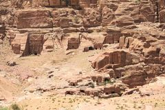 Onvolledige Graven in Petra, Jordanië royalty-vrije stock foto's