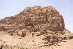 Onvolledige Graven in Petra, Jordanië royalty-vrije stock foto