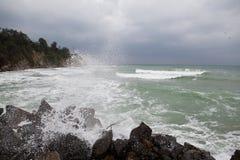 Onweer bij de kust Stock Afbeelding