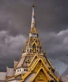 onweer bij tempel Stock Afbeeldingen