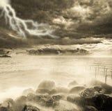 Onweer boven de oceaan Royalty-vrije Stock Afbeelding