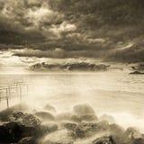 Onweer boven de oceaan Stock Fotografie
