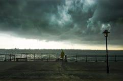 Onweer het brouwen bij kust Royalty-vrije Stock Fotografie