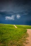 Onweer het opbouwen in de prairie stock foto