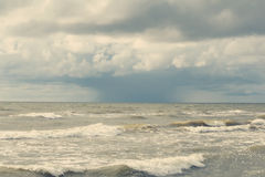 Onweer in het overzees Stock Afbeeldingen