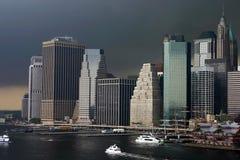 Onweer in laag Manhattan Stock Foto