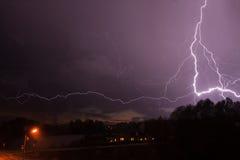 Onweer met bliksem Stock Afbeeldingen