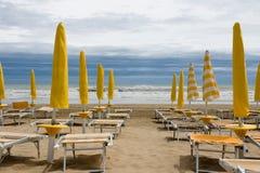 Onweer op Italiaans strand Royalty-vrije Stock Foto's