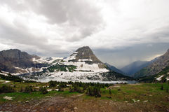 Onweer over de bergen stock fotografie
