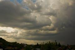 Onweer over de stad Royalty-vrije Stock Afbeelding