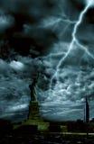 Onweer over de stad van New York Stock Afbeeldingen