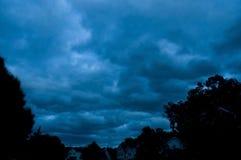 Onweer over een buurt Royalty-vrije Stock Foto's