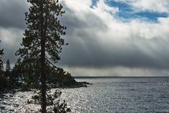 Onweer over Meer Tahoe royalty-vrije stock fotografie