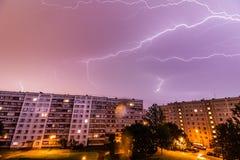 Onweer over Stad Royalty-vrije Stock Fotografie