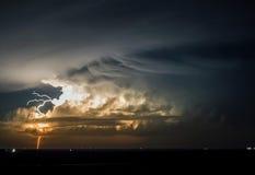 Onweersbui bij nacht Royalty-vrije Stock Afbeeldingen