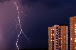 Onweersbui in de stad Royalty-vrije Stock Afbeeldingen