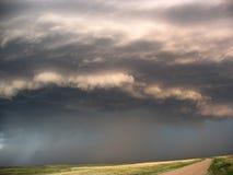 Onweersvoorzijde en regen die, Nebraska binnen komen stock fotografie