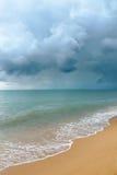 Onweerswolk het overzees Stock Fotografie