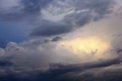Onweerswolken. Royalty-vrije Stock Afbeeldingen