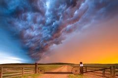 Onweerswolken bij Zonsondergang in Centraal Nebraska stock afbeelding