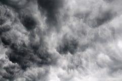Onweerswolken in de hemel Stock Afbeelding