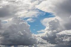 Onweerswolken met Blauwe Hemel Royalty-vrije Stock Afbeelding