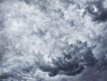 Onweerswolken, regenwolken Stock Fotografie