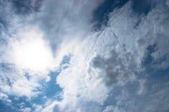Onweerswolken vóór regen stock afbeeldingen